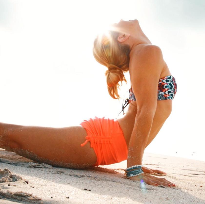 posturas-yoga-la-cobra