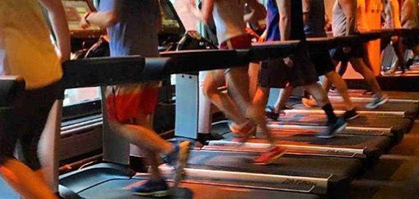 8 razones para entrenar en la cinta de correr, amigos