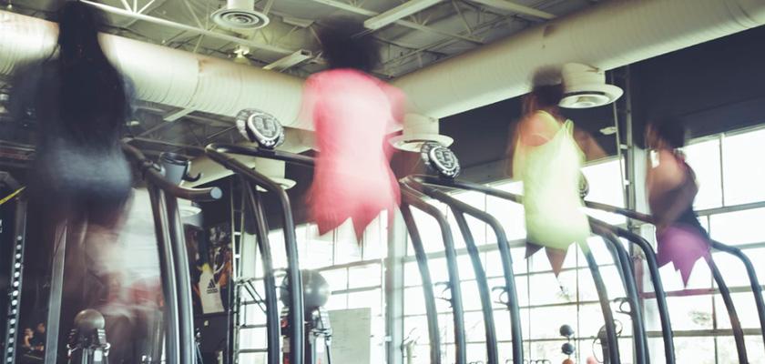 8 razones para entrenar en la cinta de correr, motivación