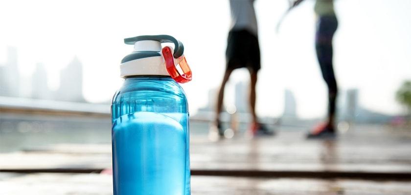 Las 7 razones que te llevarán a enamorarte del running este verano, hidratación