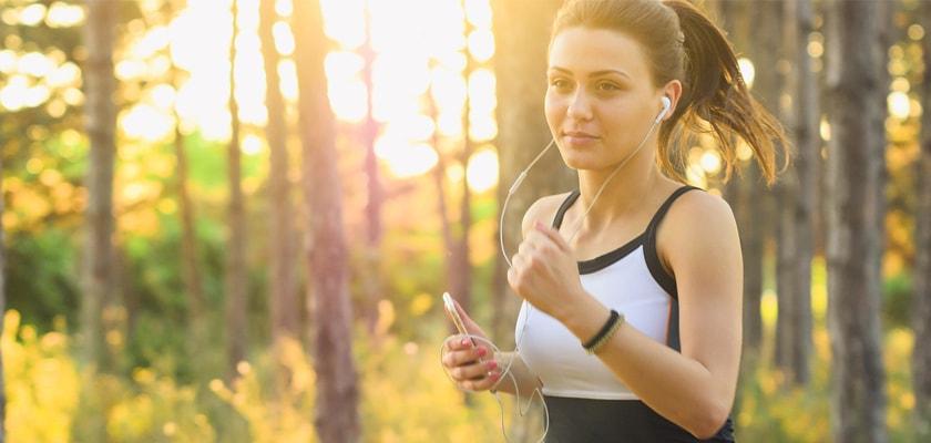 Las 7 razones que te llevarán a enamorarte del running este verano, ropa ligera